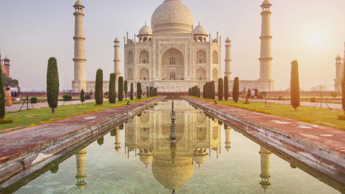 Early sun rising over the Taj Mahal, India